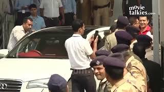 Sanjay Dutt Coming Out Of Yerwada Jail Full Video