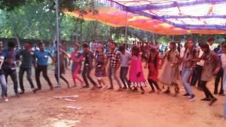 disco sylo chain dance