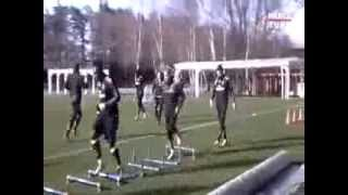 Mario Balotelli takes a Shortcut during AC Milan Training