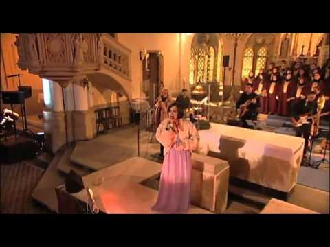 SZEKERES ADRIEN - Olyan, mint Te (részlet az Adventi koncert DVD+CD-ből)