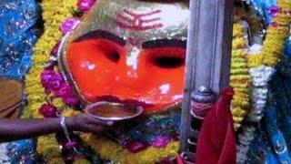 आश्चर्य, यहां शराब पीती है भैरव की मूर्ति, कहां जाती है नहीं मालूम | Kaal Bhairav Temple Ujjain