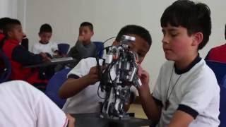 En la I.E.M. Luis Eduardo Mora Osejo se adelantan procesos de aprendizaje TIC