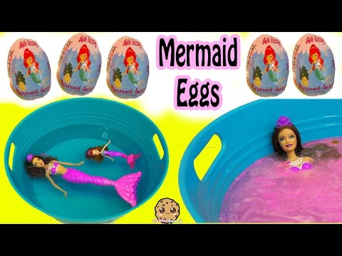 Bath Bomb Fizzy Mermaid Surprise Eggs In Water with Barbie Dolls In Mini Pool