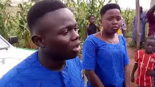 DAHOUE DOTO: Zoom sur un de ses enfants lors des Obsèques