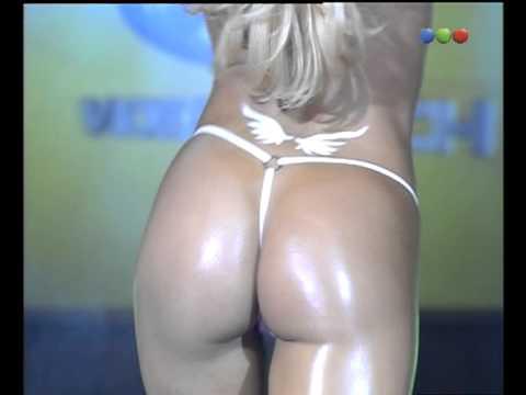 Desfile Hot Angeles y Demonios Luciana Salazar Videomatch