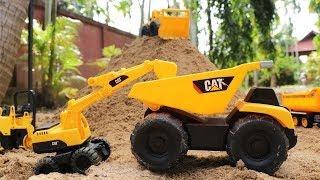 รถของเล่นทำถนน รถบรรทุกขนทราย รถแม็คโคร รถดันดิน Dump Truck Crane & Bulldozer working together