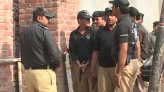 Scores dead as militants ambush Pakistan police
