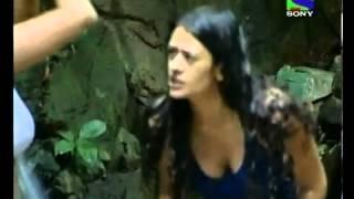 Kashmira and Mona hot bath scene