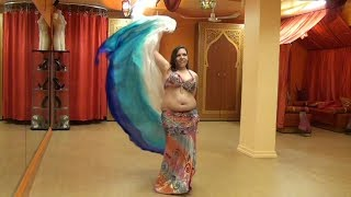 Chorégraphie de danse orientale raqs sharqi avec voile