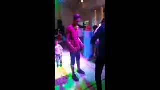 رقص احمد مزيكا دق وتكسير علي مهرجان سكلي 2017