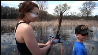 JOEL Almost DROWNS.... Bow Fishing... Funny :)