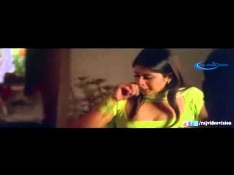 Desi Sangeetha aunty seducing young boy