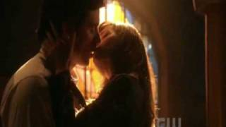 Smallville s09e06 Lois & Clark's First Real Kiss!