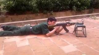 Kĩ thuật bắn súng tiểu liên AK (13/07/11)