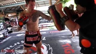 World Muay Thai Champion Pad Work: Lamsongkram Chuwattana