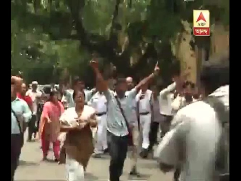 Xxx Mp4 Agitation Of DSO Outside Gate Of Assembly 3gp Sex