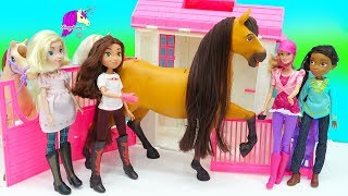 Giant Spirit Riding Free Lucky Feeding Horse Set with Pru, Abigail  Barbie Dolls