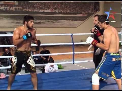 Правила борьбы были следующие: борьба велась до падения одного из участников, для победы достаточно было сбить противника на колени