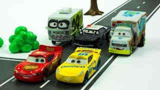 High Speed Race Lightning McQueen & Cruz Ramirez get Chased in Town by Demo Derby Racers