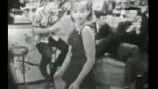 VIOLETA RIVAS - Surfin de las muchachas  (año 1964) IDOLOS DE LA JUVENTUD