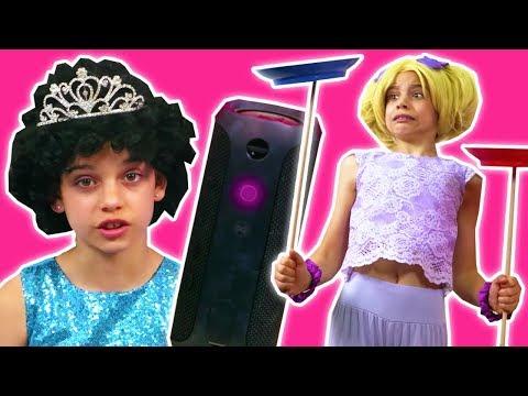PRINCESS ESME'S ALEXA GOES WRONG! Malice's Magic Takeover - Princesses In Real Life | Kiddyzuzaa
