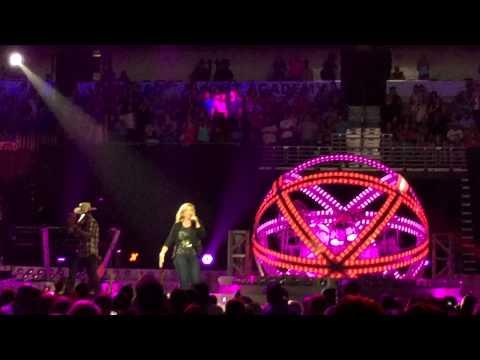Trisha Yearwood - Live - XXX's and OOO's (An American Girl)