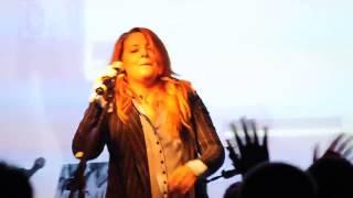 Noemi - Fammi Respirare Dai Tuoi Occhi (live@New Age) [22/22]