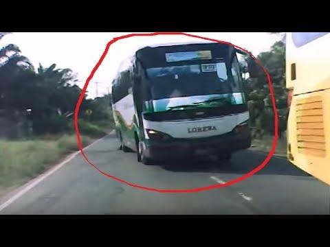 CCTV Mobil Bus Lorena hampir Nabrak Bus Lorena nearly collided