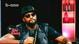 Brenj OKUNDA Le Legendaire recoit HIRO Le COQ  dans Star AFRIKA