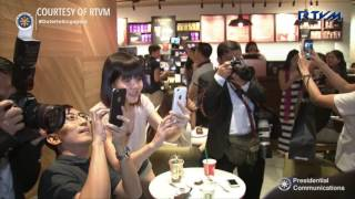 President Duterte goes window-shopping in Singapore