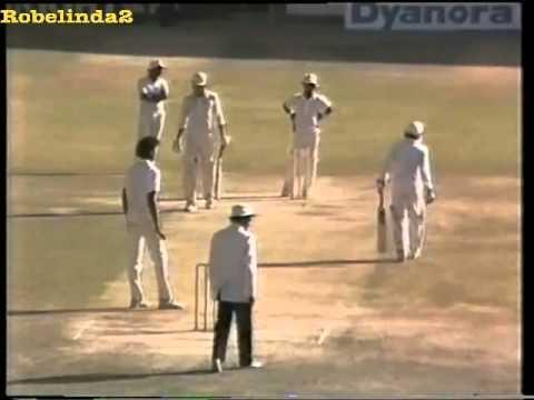 The day Imran Khan treated Ravi Shastri like a street bowler. GOD OF CRICKET IMRAN