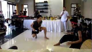 Thai Short Knife Fight Bat vs Big