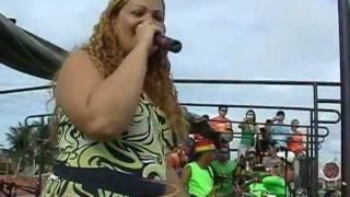 Solange do Aviões do Forró canta com Banda Grafith