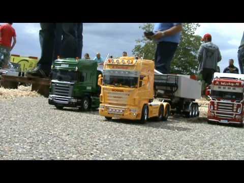 Scania King of the Road. Scania Rí an Bhóthair. Scania Brenin y Ffordd.