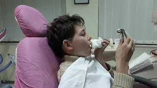 Arisi nxjerr dhëmbin pa ndihmën e dentistit 😘