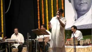 SUROJIT GUHA performs RULAKAR CHAL DIYE, a Hemant Kumar favourite