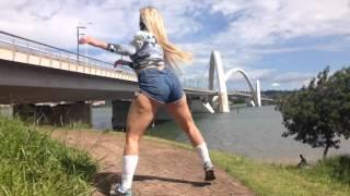 MC Bandida dançando Senta Senta