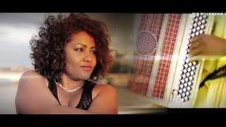 TSY MISY ROIROY ( Clip OFFICIEL ) LARISSA VELSON Feat MEDICIS