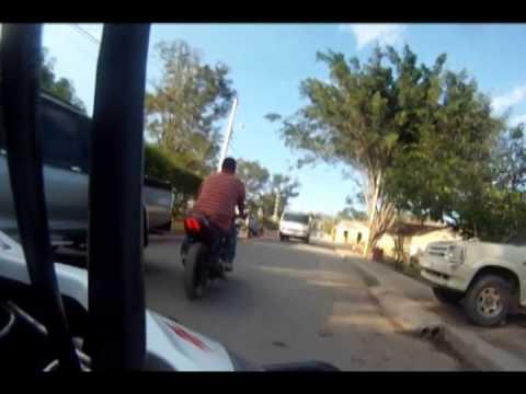 Reportage Carretera Inoa Moncion