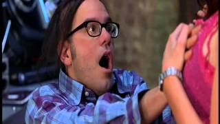 Escena Graciosa de Scary Movie 2 -¡Lo puedo hacer yo mismo !