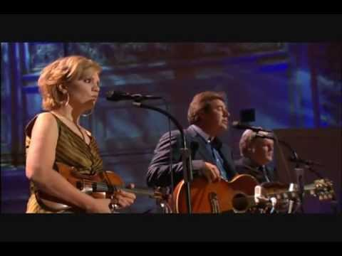 Vince Gill Alison Krauss Ricky Skaggs – Go Rest High On That Mountain Live