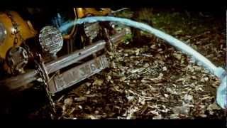 Kutti Pisasu - Car drinks water