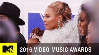 Beyoncé & Blue Ivy Walk the VMA Red Carpet | 2016 Video Music Awards | MTV