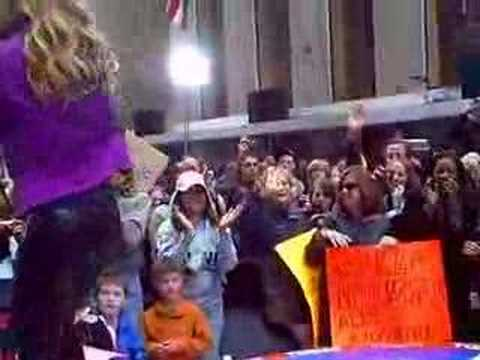 fERGIE PERFORMING LIVE ON THE TODAY SHOW 08 PART 2