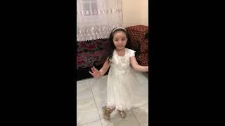 اغنية لالا مع رقصة صافيناز للطفلة خديجة