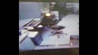 Metro employee bust his ass
