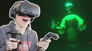 FIGHTING THE GHOSTLY SHADOWS! | VR Dungeon Knight (HTC Vive Gameplay) Ep 4