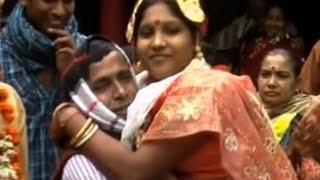 নুচ্চা জামাই বাবু বউকে নিয়ে ইচ্ছা মত দোলা ডলি সরাসরি করুন