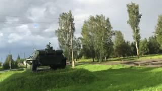 Бронетанковая техника у полигона ВДВ (въезд в Псков со стороны Палкино). 02.08.2016, 19:07