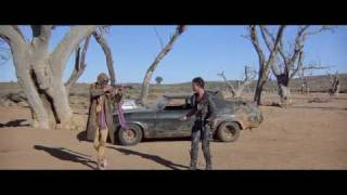 Mad Max 2 - The Road Warrior Battle (1981 Mel Gibson great  scene)